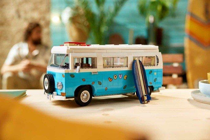 LEGO Volkswagen T2 Camper