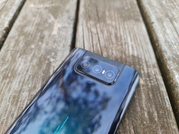 A Flip Camera do ZenFone 7 Pro