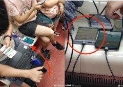 Alegado Huawei Mate 30 Pro visto em público esclarece o design do ecrã!
