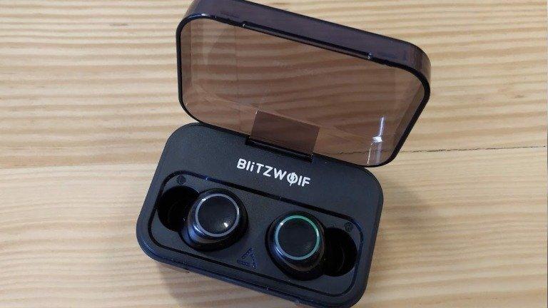 Review BlitzWolf Fye3: earphones bluetooth versáteis com preço difícil de bater