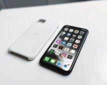 Apple cai na venda de iPhones mas cresce (como nunca) em serviços