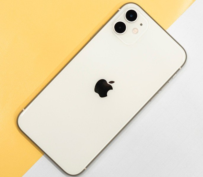 Apple iPhone SE 2022, iPhone 11