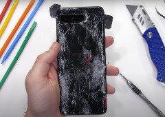 """Asus ROG Phone 5: vídeo explica tudo sobre a """"quebra"""" do smartphone"""