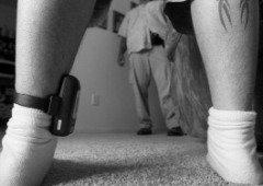"""Atualização em monitores de tornozelo deixa centenas de criminosos """"à solta"""""""