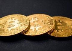 Bitcoin: criptomoeda atinge novo recorde a caminho do ouro digital!