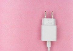 Carregamento rápido do smartphone faz a bateria sofrer! E muito!