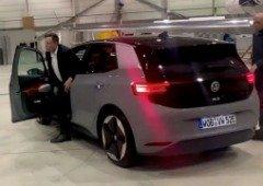"""CEO da Volkswagen coloca fim aos rumores: """"Não há acordo com a Tesla!"""""""