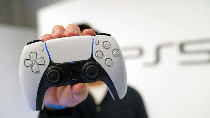 Comando DualSense da PS5. Crédito: Famitsu