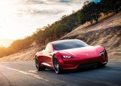 Elon Musk diz que Tesla Roadster chegará mais tarde que o previsto