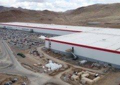 "Elon Musk vai construir uma ""giga fábrica"" da Tesla na Europa"