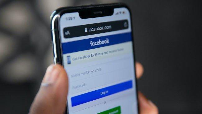Facebook Apple iPhone