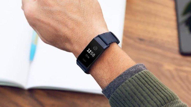 Fitbit Charge 4: conhece o primeiro wearable depois da compra pela Google!