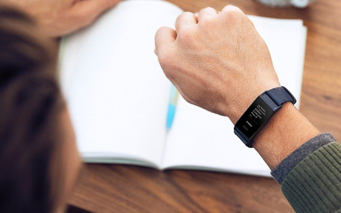 Fitbit Charge 4 atualização