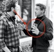 """Fotografia revela o OnePlus 8 Pro nas mãos do """"Iron Man"""""""