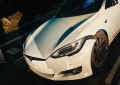Funcionário de resort de luxo destrói Tesla Model S ao testar o novo Cheetah Mode! (vídeo)