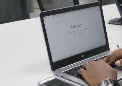 """Google apoia os """"media"""" com €25 milhões para combater a iliteracia"""