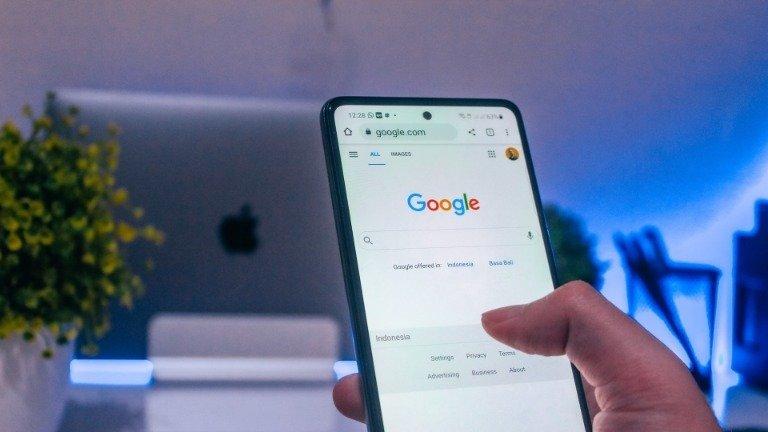 Google e Facebook aliam-se contra as regras de privacidade da Apple