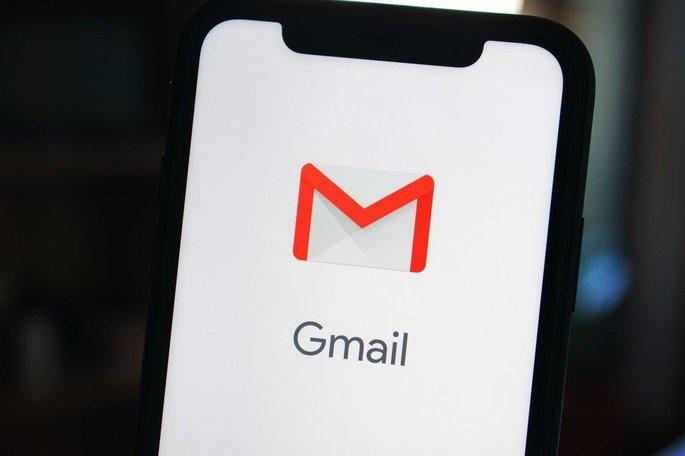 Google Gmail smartphone