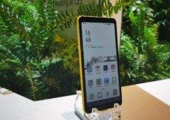 """Hisense demonstra smartphone revolucionário com autonomia """"ilimitada""""!"""