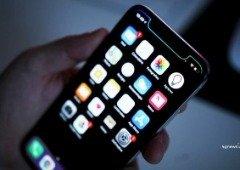 Homem afirma que o iPhone o tornou gay, e processa Apple