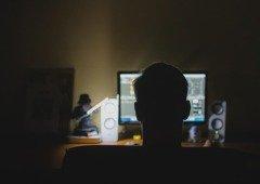Homem preso por vender 1 milhão de contas roubadas do Spotify e Netflix