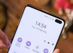 Huawei P40 Pro: alegada imagem mostra um enorme buraco no ecrã para a câmara