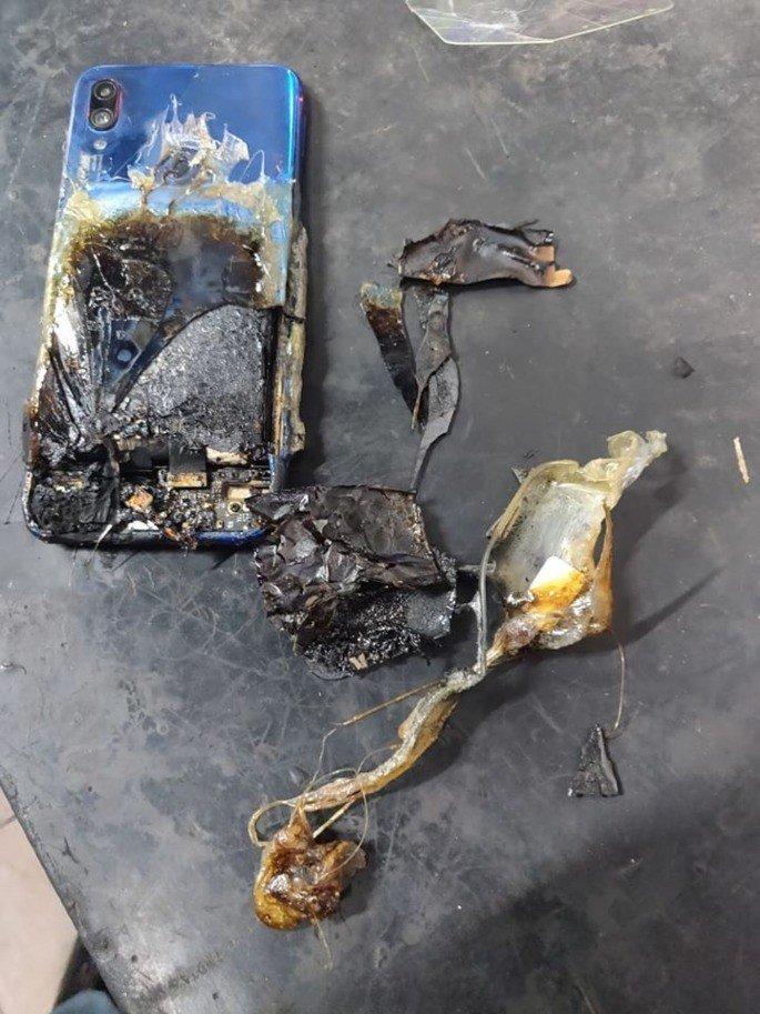 Xiaomi Redmi Note 7s queimado