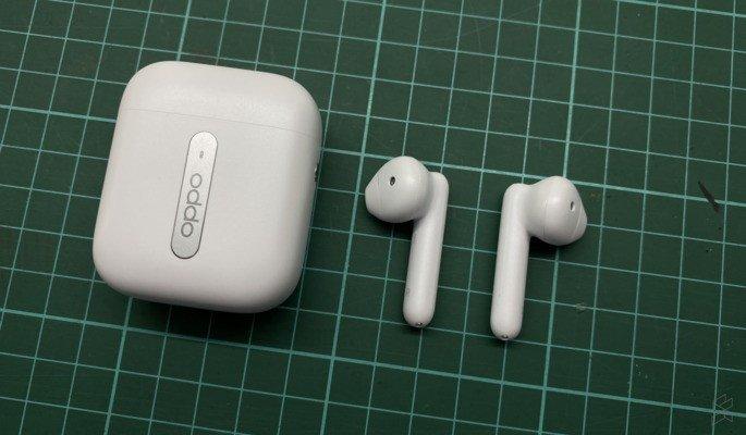 Oppo Enco Free wiereless earphones