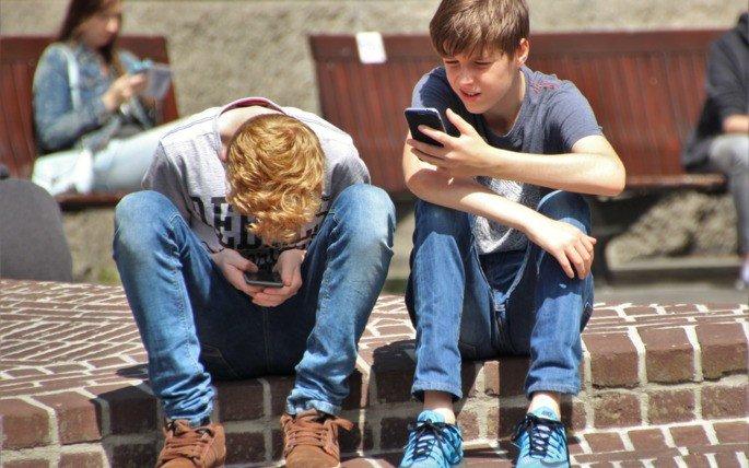 Smartphones menores de 21 anos