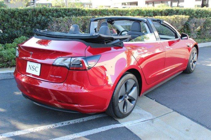 Tesla Model 3 descapotável