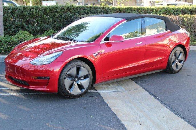 Tesla Model 3 conversão descapotável
