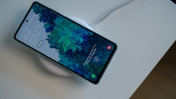 Samsung Galaxy S20 FE carregamento sem fios