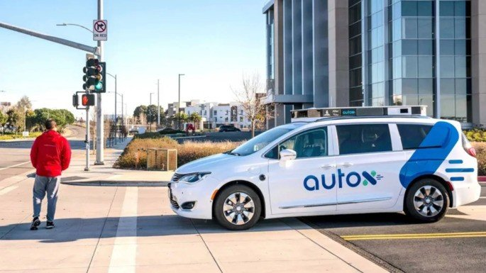 AutoX táxi autónomo