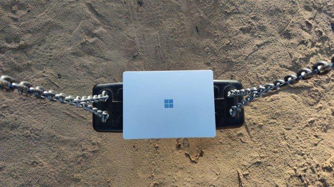 Computador portátil Microsoft Surface Laptop Go