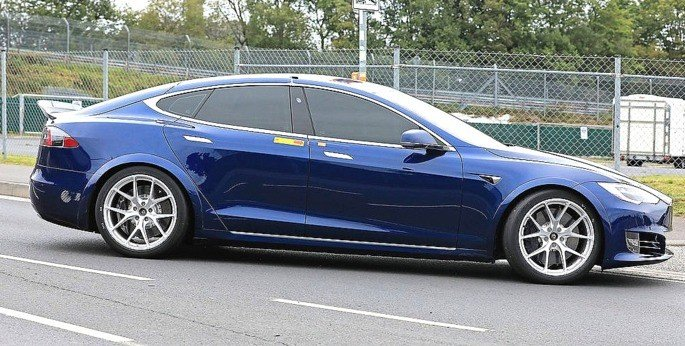 Tesla Model S com Plaid Mode