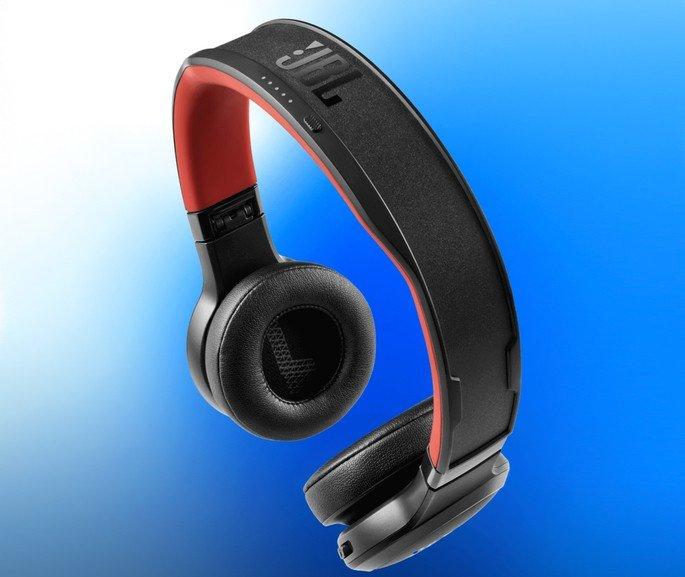 JBL headphones com painéis solares
