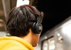 """JBL revela headphones que carregam com painéis solares e tem """"bateria ilimitada"""""""