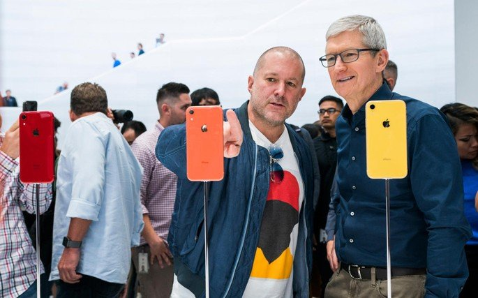 Jony Ive e Tim Cook