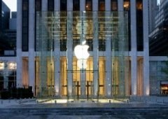 Jovem processa Apple em mil milhões de dólares após prisão injusta