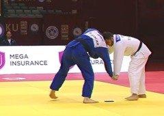 Judoca português é desqualificado por levar o smartphone para o combate (vídeo)