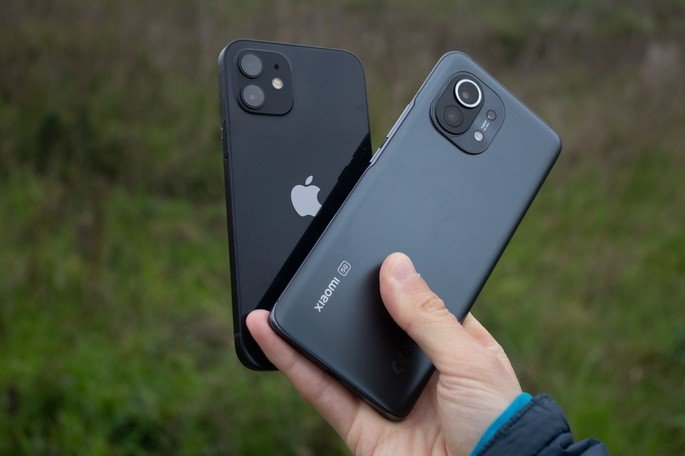 Xiaomi Mi 11 iPhone 12