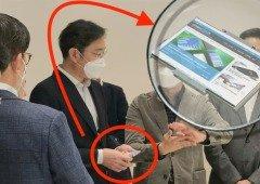 Misterioso smartphone da Samsung visto nas mão de executivo! (com ecrã rolável?)