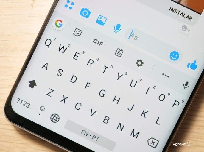 Google Gboard com mensagens Android