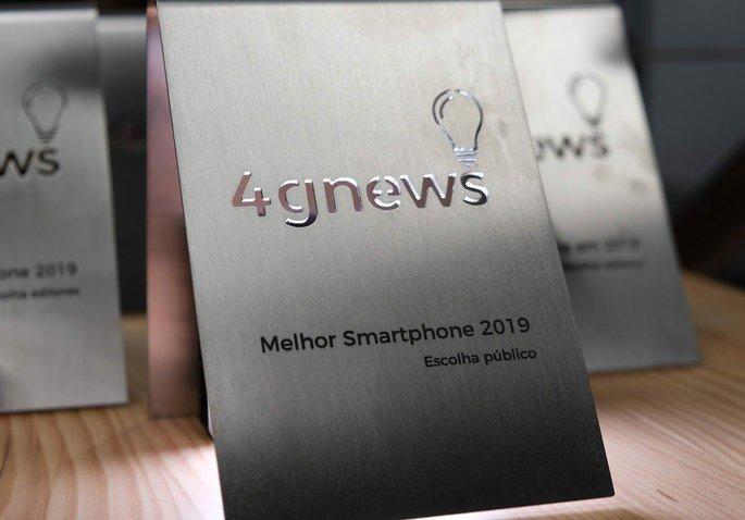 OnePlus 7T Pro é o vencedor do troféu 'Melhor smartphone do ano 2019' na escolha do público 4gnews