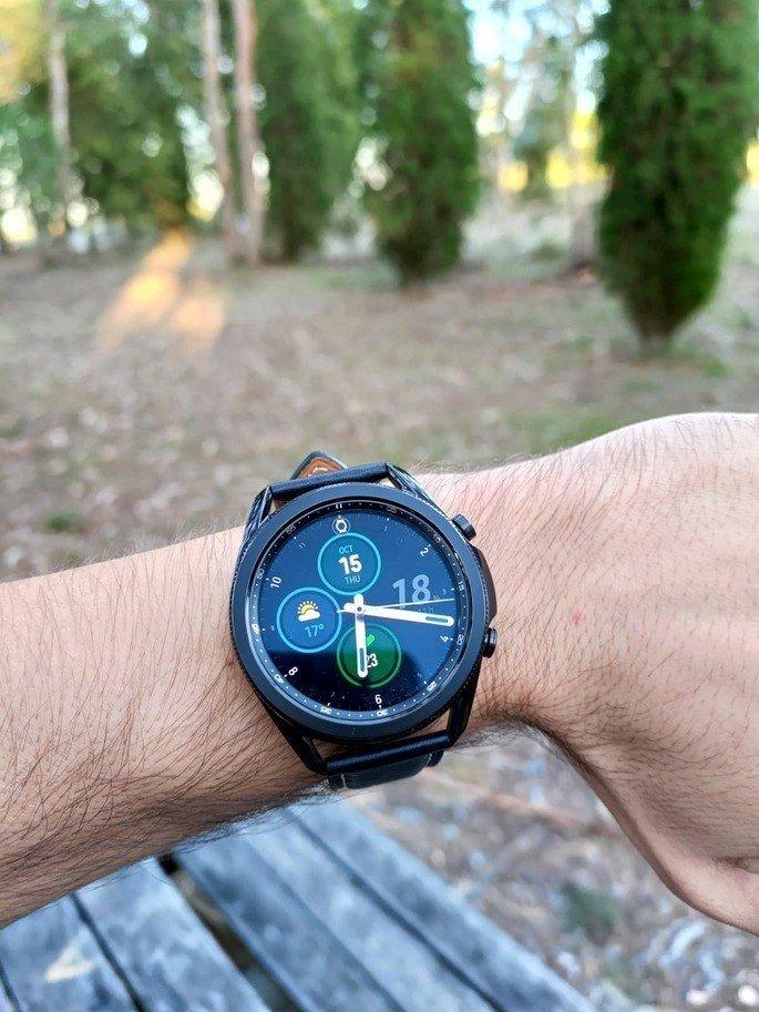 Este é o Galaxy Watch 3, lançado pela Samsung em agosto de 2020
