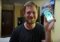 A história incrível de um homem que construiu um iPhone peça a peça