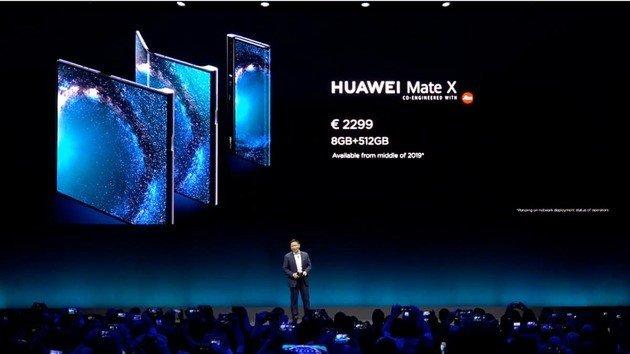 CEO Huawei Mate X smartphone dobrável