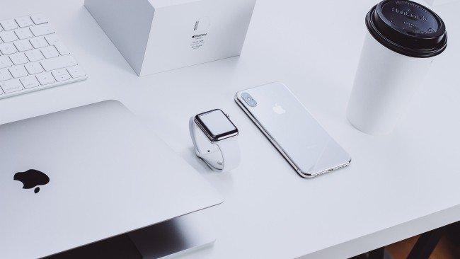 Produtos Apple iPhone Apple MacBook Apple Watch