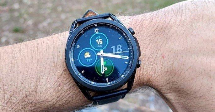 Este é o design do modelo anterior, o Samsung Galaxy Watch 3