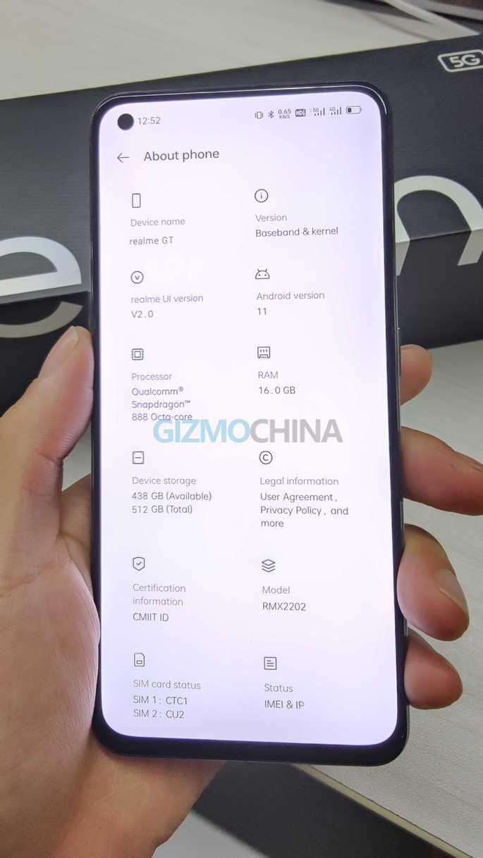 Imagem real da versão global do Realme GT 5G. Crédito: Gizmochina